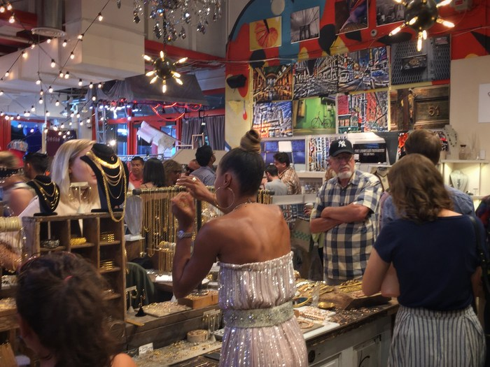 Artists and Fleas Flohmarkt New York