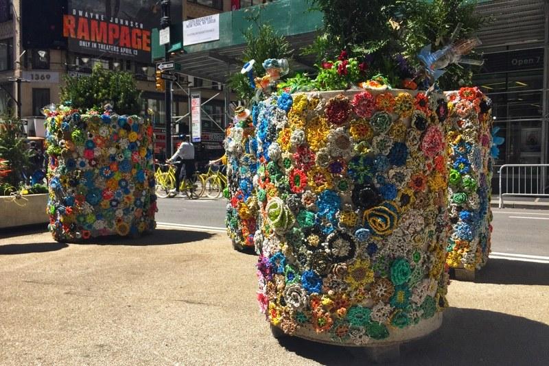 Blumenkübel Verkehr Hürden