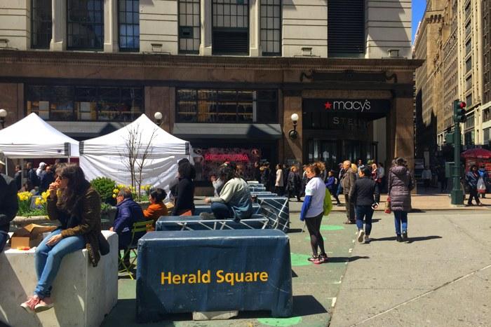 Barrikaden Herald Square