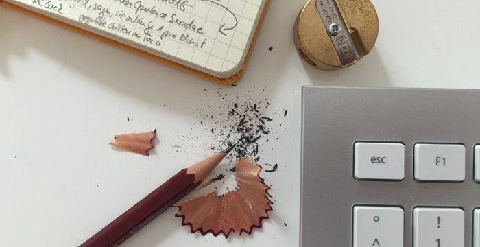 Bleistift Buch schreiben