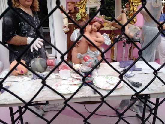 Arbeit an der Barbiepuppe