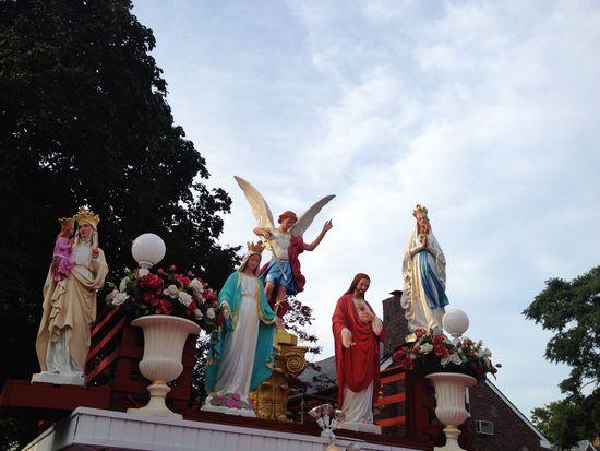 Heiligenfiguren in der Bronx