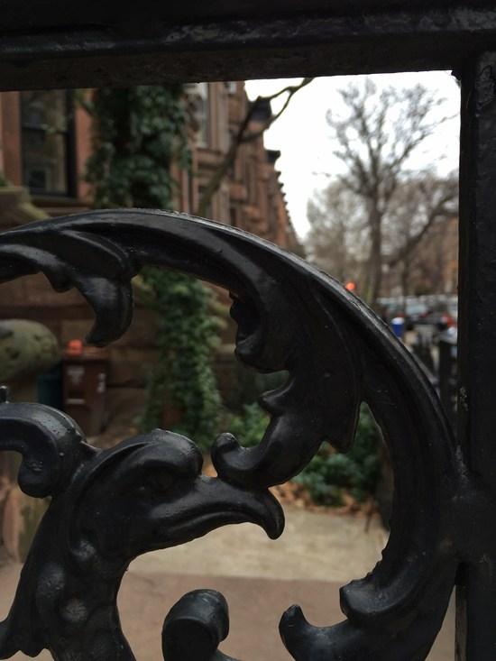 Gusseiserne Verzierung am Brownstone in Brooklyn
