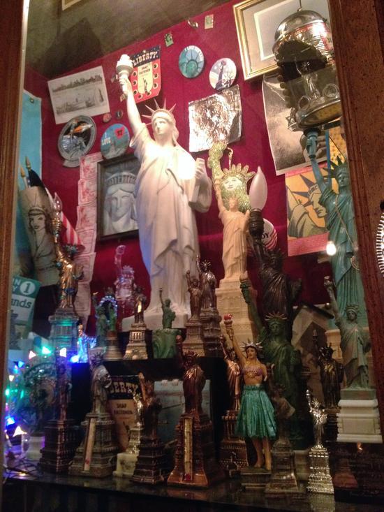 Freiheitsstatuen City Reliquary New York