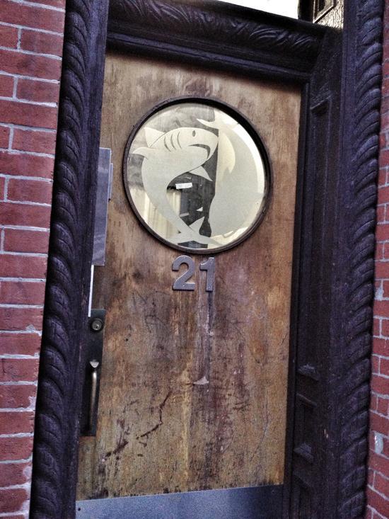 Ne wYork: Haie in der Tür