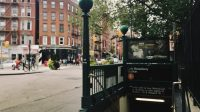 Haltestelle East Broadway