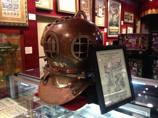 Helm von Houdini