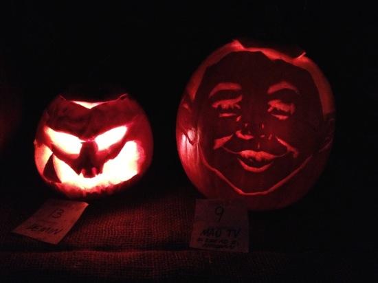 Gescnitze Fratzen zu Halloween