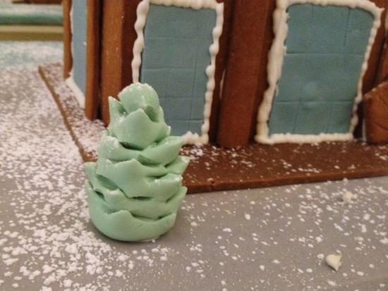Zuckerbaum und Lebkuchenhaus