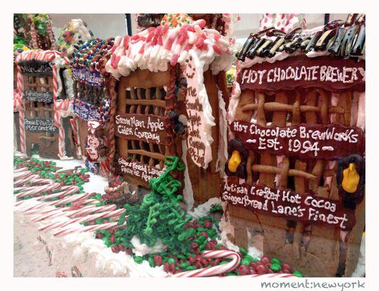 Einkaufsmeile in der Gingerbread Lane