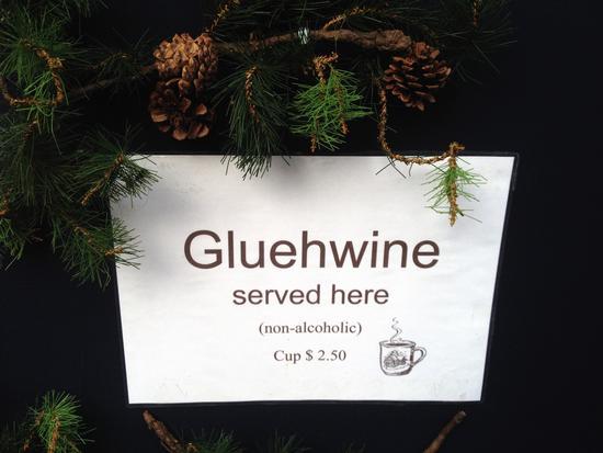 Glühwein oder glue wine?