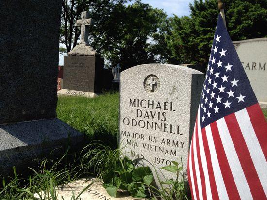 Grab eines Gefallenen am Memorial Day in New York