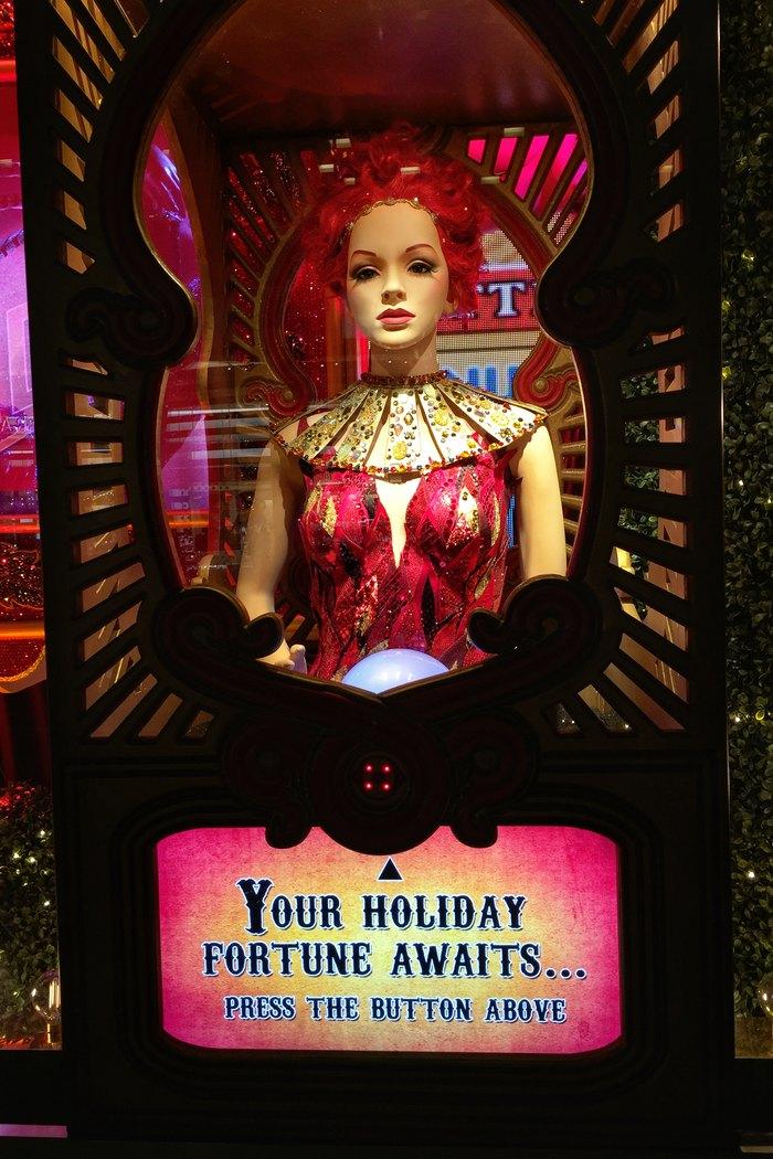 Weihnachtsschaufenster Bloomingdales