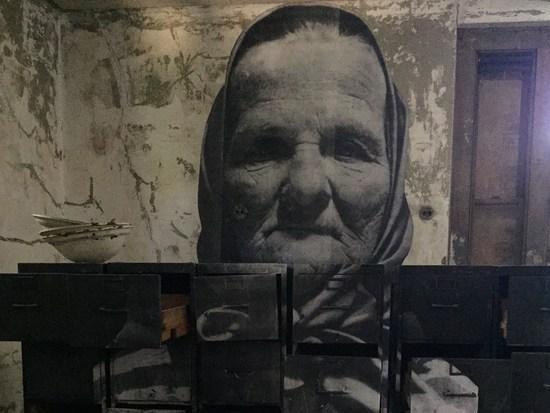 Alte Frau im Krankenhaus