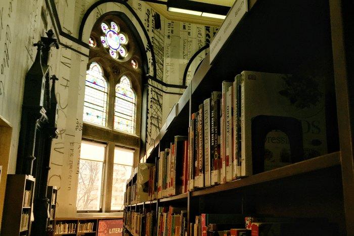 Bücher Jefferson Market Library