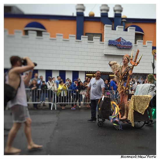 Neptun und Gattin bei der Mermaid Parade