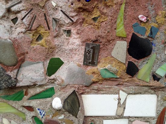 Nummer 1 - Detail aus einem Mosaik von Jim Power