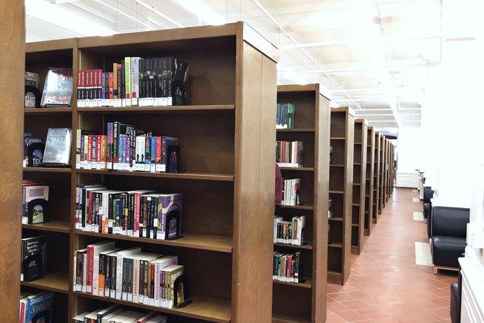 Mid-Manhattan Library im Keller der NYPL