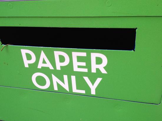 nur Papier!