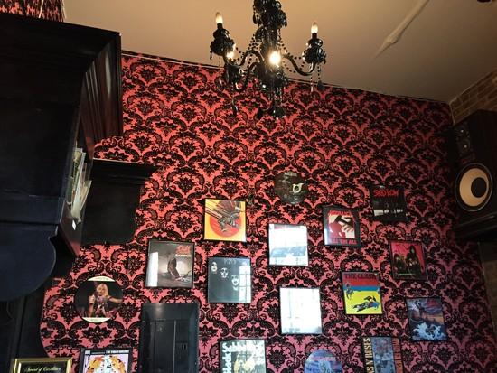 Sweetleaf Cafe - mit Schallplatten