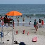 Der Lifeguard ist auf dem Posten - und pfeift wie ein Bademeister