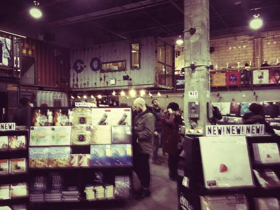 Vinyl-Schallplatten bei Rough Trade in Brooklyn