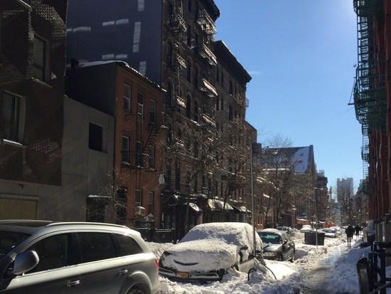 Schnee auf der Straße in Manhattan