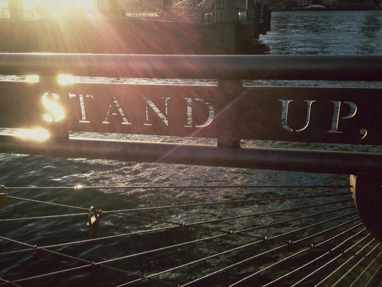 New York sagt: Stand up!