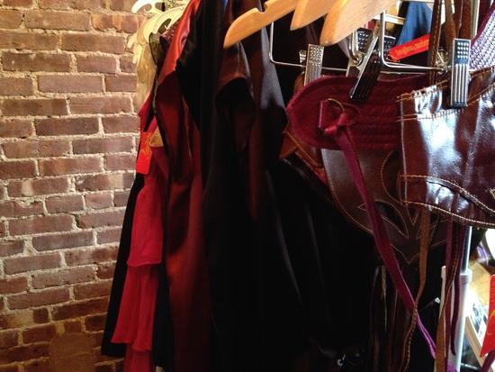 Kleider von Ingwa Melero